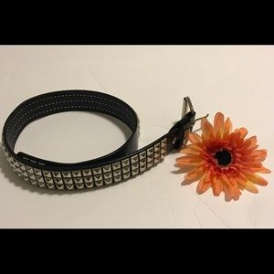 Hot Topic Belt Size32 Studded